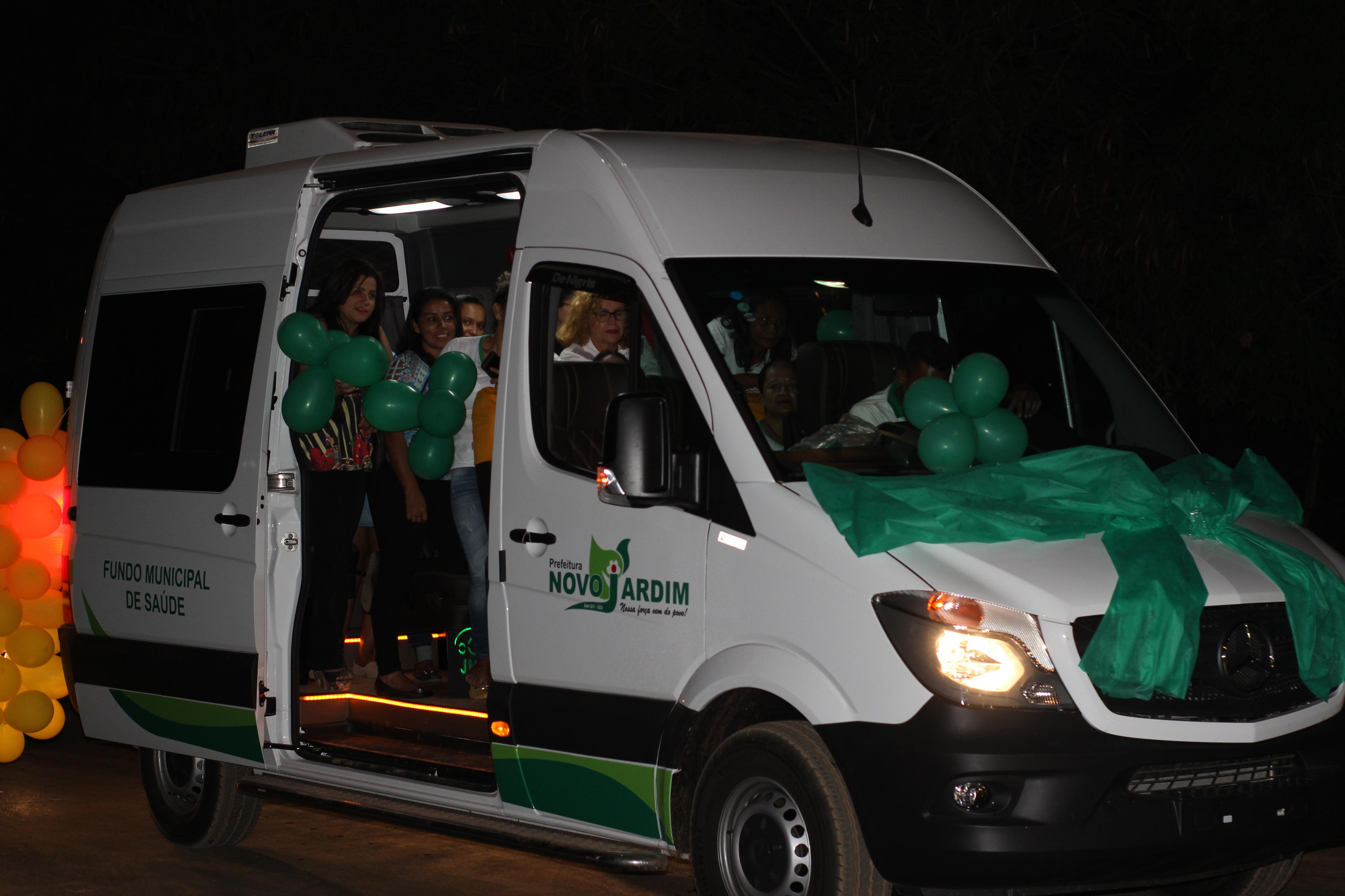 Prefeitura adquire van 0km para o transporte de pacientes