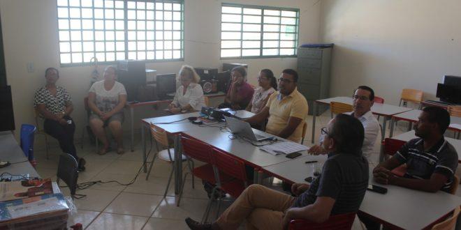Prefeitura faz adequação do PCCR do magistério para professores efetivos